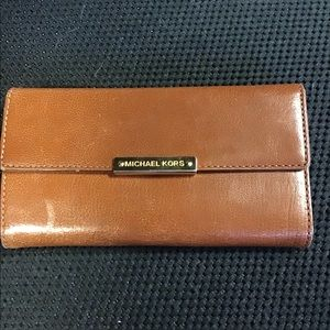 Michael Kors Wallet 🐫